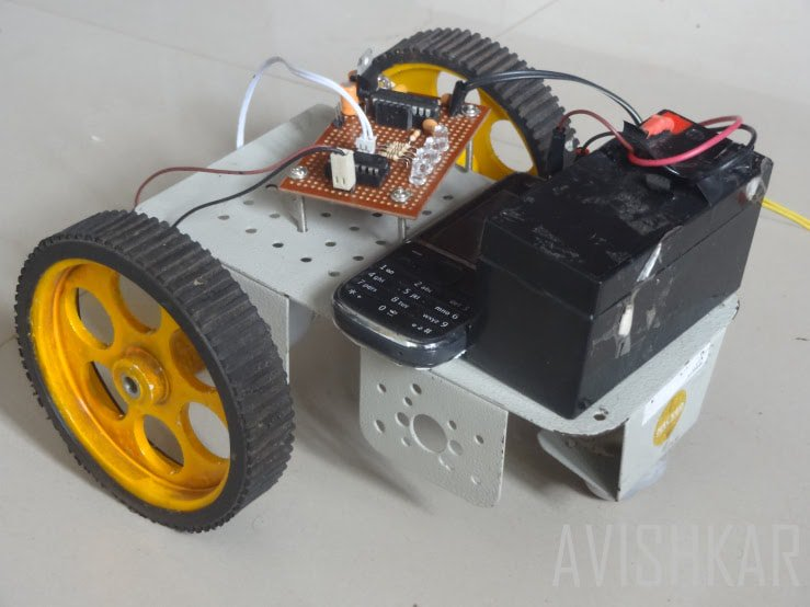 how to build a robot made from circuit boards