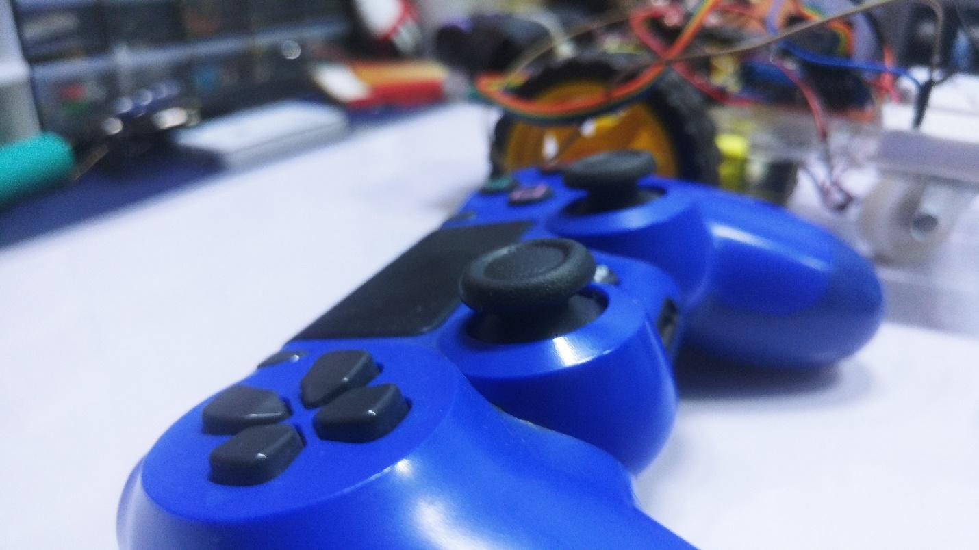 How to Control an Arduino Robot With a PS4 Bluetooth Controller