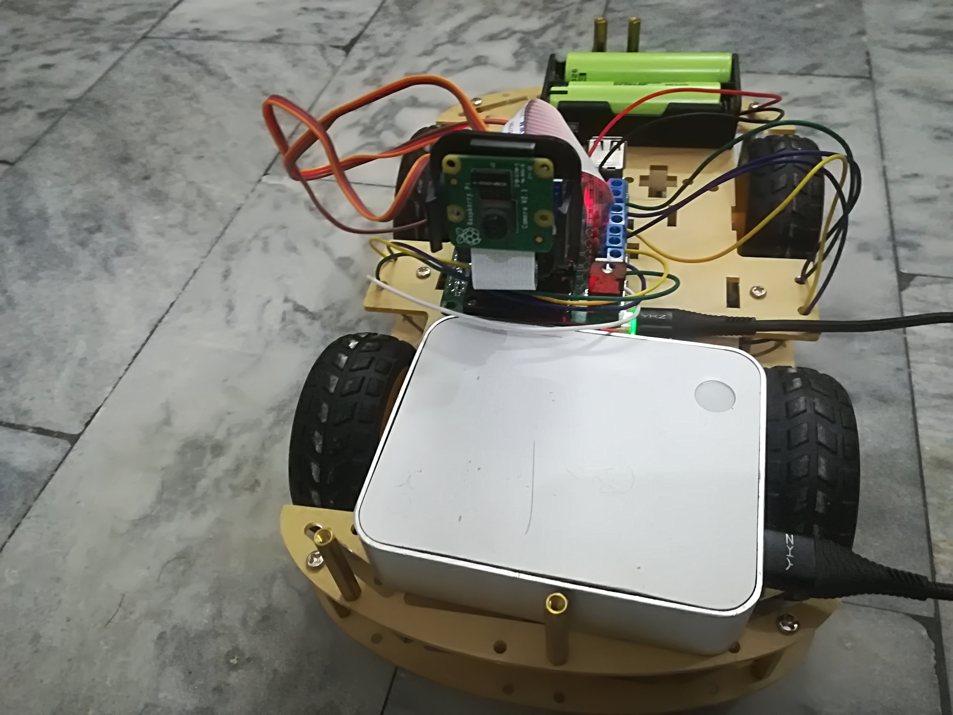 Wireless Video Surveillance Robot using Raspberry Pi 3.jpg